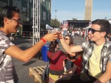 Jongeren vieren 'vanzelfsprekende' vrijheid op 18 septemberplein