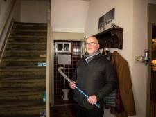 Een hockeystick naast je bed om inbrekers het huis uit te slaan, mag dat?