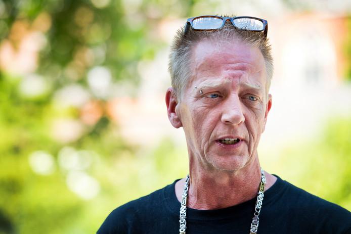 Vader Martin Huisman, in juni 2017, voorafgaand aan de zitting over de mogelijke tbs-beëindiging van moordenaar Mike J. op Rowena Rikkers, beter bekend als het Meisje van Nulde.