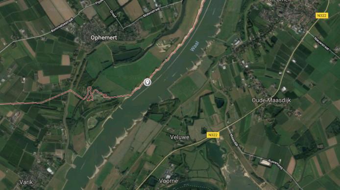 In de Waal bij Ophemert is een lichaam gevonden.