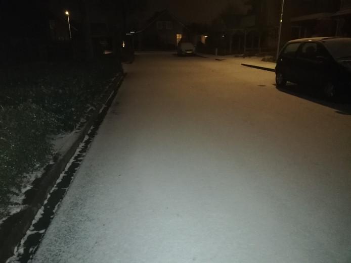 De eerste sneeuw in Angeren