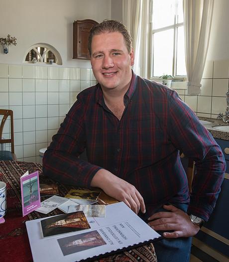 Megenaar, broer van pastoor Ouwens, is expert op het gebied van bidprentjes: 'Ik noem ze liever doodsprentjes'
