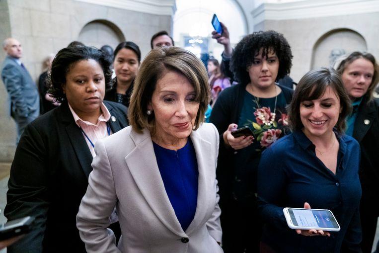 Nancy Pelosi (tweede van links) na haar ontmoeting met president Trump over de shutdown. Beeld EPA