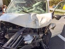 Ongeval met twee bestelbusjes leidt tot vertraging op A12 bij Arnhem
