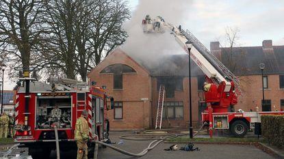 Bovenverdieping flat brandt uit