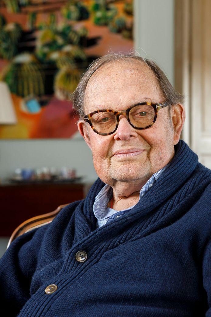 Pim Bentinck is te zien in de vierdelige documentaireserie adellijke families van Jort Kelder. Hij is de oudste in de lijn van de familie die sinds 1633 het landgoed Schoonheten bewoont.