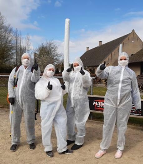 Schoonmaakbedrijf desinfecteert speeltuintjes in Etten-Leur