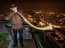 'Oale roop' niet weg te blazen uit Twente: traditie van de midwinterhoorn leeft