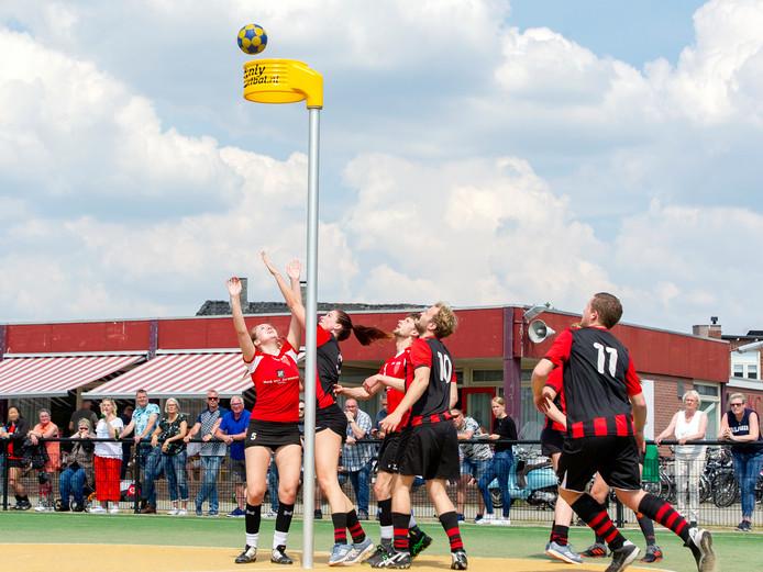 Zondag begint ook voor AKC de veldcompetitie. De club worstelt met zichzelf en moet, vooral ook buiten het veld, op zoek naar nieuwe doelstellingen.