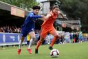 Chelsea-speelster Ji So Yun in duel met Dzsenifer Marozsan van Olympique Lyon.