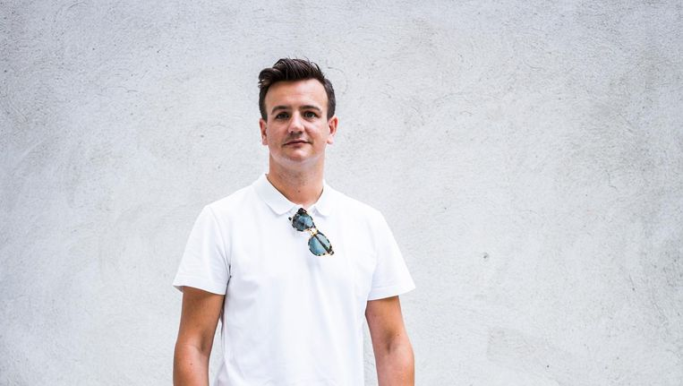 David Laport: 'Een favoriete ijssalon heb ik niet. Het liefst eet ik raketjes op mijn balkon.' Beeld Tammy van Nerum
