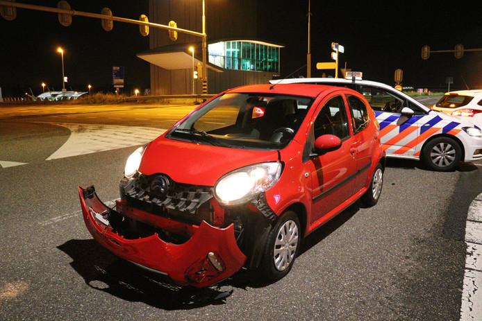 De auto's raakten zwaar beschadigd bij de botsing op de Zuilense Ring en zijn afgesleept door een berger.