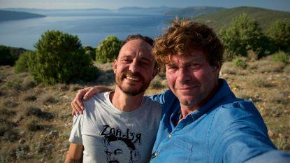 Tijs 'Van Echelpoel' Vanneste en Wim Lybaert krijgen vis-pedicure in voorlaatste 'De Columbus'