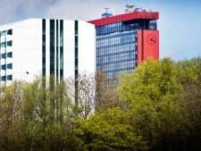 Iconische EWI-toren TU Delft is voorlopig gered: 'Herontwikkeling is veel duurzamer dan sloop'