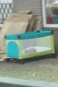 Moeder van baby die buiten sliep bij opvang in Deventer dient klacht in: 'Dit sloeg in als een bom'