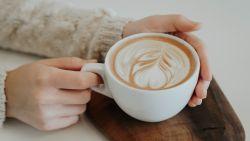 Schenk nog een kopje in, want koffie is goed voor de huid
