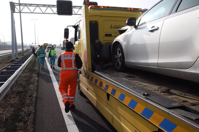 De A2 tussen Eindhoven en Maastricht werd 45 minuten afgesloten