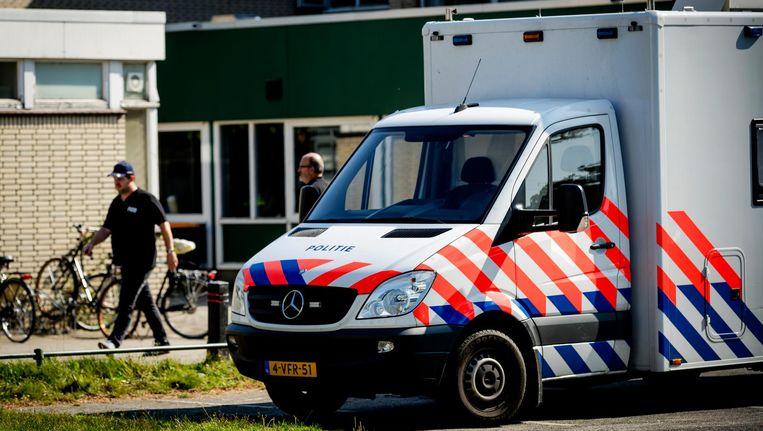 De politie deed een inval bij een moskee in Utrecht afgelopen september 2016. Beeld anp