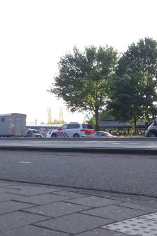 Arrestant op weg naar gevangenis ontsnapt uit politiewagen in Grave