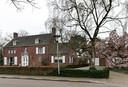 Ook van architect Jos. Bedaux, deze villa aan de Warandelaan in Helmond.