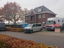 Operatie Alfa gaat door: politie doorzoekt woning Martien R. in Berghem