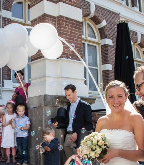Tientallen koppels stellen hun huwelijk in Apeldoorn uit of zelfs af