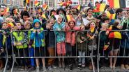 Dansje van reuzen, babbel met inwoners en lunch met vluchtelingen
