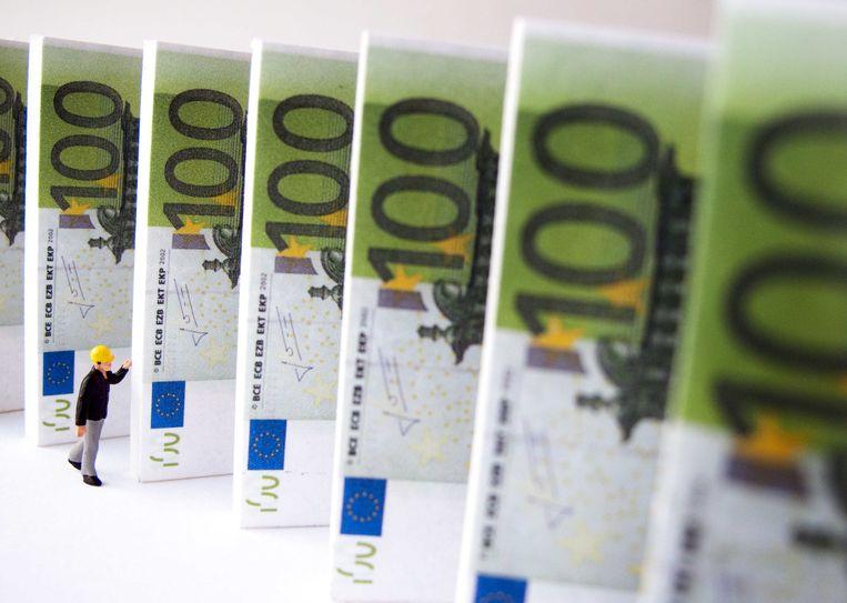 De Nationale Bank van België heeft de volledige controle genomen over de kleinere Brugse beursvennootschap Weghsteen.