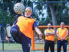 De 'Ibrahimovic van Bouwlust' scoort erop los: 'Ik ben niet top, maar ik ben wel sportief'