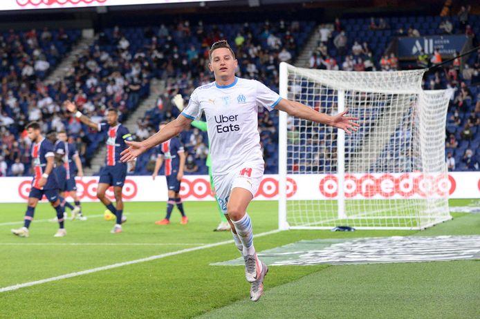 Florian Thauvin juicht na zijn goal in de 31ste minuut.
