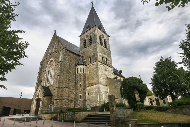 Ook de kerk in Opglabbeek werd beroofd van haar koperen afvoerbuizen.