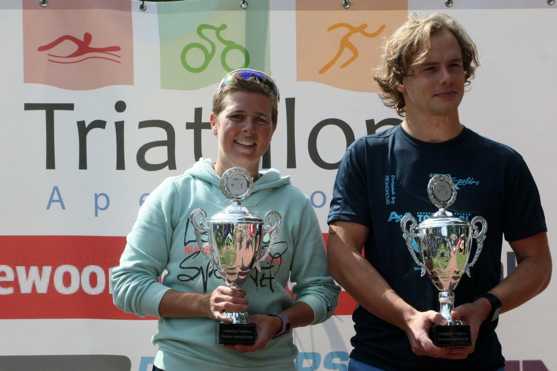 Ciska Jonges en Steven van der Weij: de snelste Apeldoorners op de kwart triatlon.
