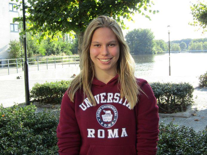 Talitha Bouwman (17) is gek van sport. Ze voetbalt en doet aan atletiek.