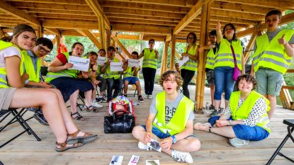 Jongeren met beperking bezoeken Triënnale