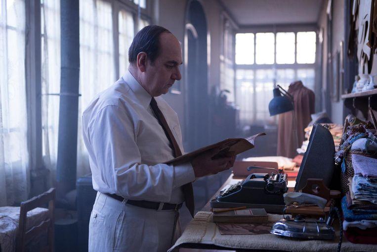 Luis Gnecco als de Chileense dichter en politicus Pablo Neruda. Beeld