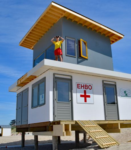 Nieuwe strandposten op drie Sluise stranden
