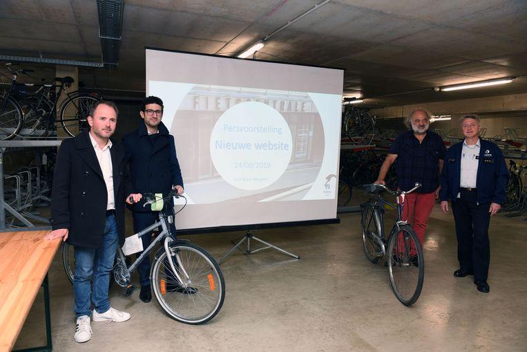 De politie stelt hun platform voor waarop alle fietsen die in Leuven worden opgehaald te zien zijn.