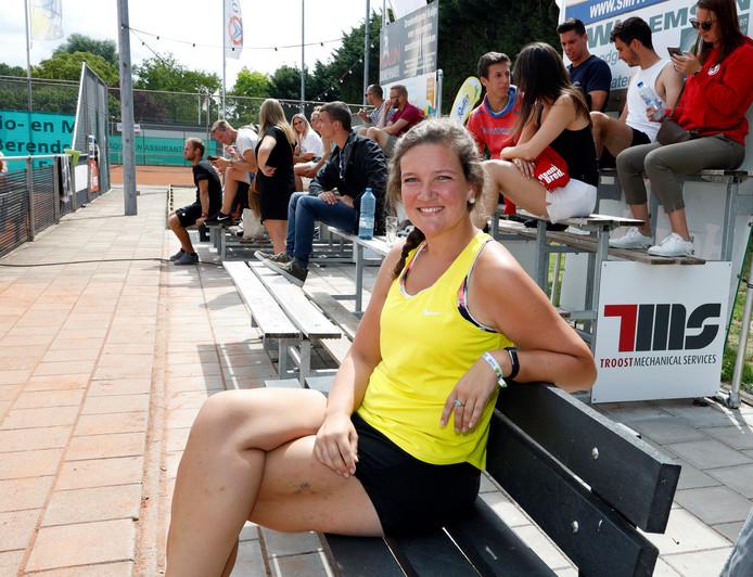 """Lisanne Hilhorst op de tribune van Het Vliegende Hollander toernooi: ,,Vanaf het eerste moment voelde ik me hier op mijn plek. Ik heb zulke leuke mensen ontmoet."""""""