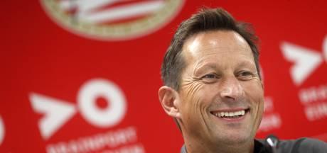 Roger Schmidt over zijn eerste officiële opstelling bij PSV: 'Ik ben er bijna uit'