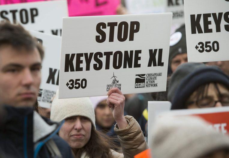 Het plan stuit op groot protest van milieuorganisaties en inheemse Amerikanen.