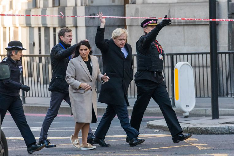De Britse premier Boris Johnson belooft strengere celstraffen.