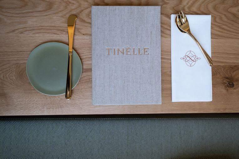 De menukaart van restaurant Tinèlle.
