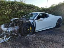 Opnieuw peperdure auto's door brand verwoest in Apeldoorn: wie heeft het gemunt op de eigenaren van EuroParcs?
