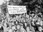 WEERZIEN: Demonstrerende scholieren in Oss