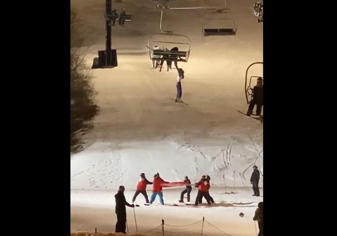 Une skieuse de 14 ans sauvée d'une chute d'un télésiège.