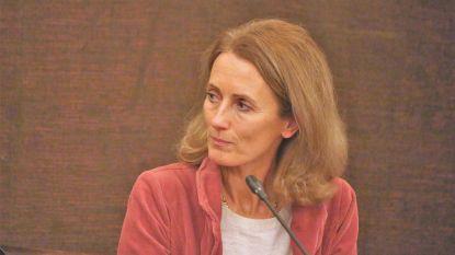 Xavier Deleenheer geeft na 24 jaar voorzitterschap OCMW door aan Anne Troussel-Moulaert