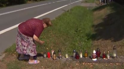 Lokale inwoners zetten kaarsen op de plek waar Lambrecht fatale crash maakte