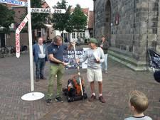 Om deze reden wandelt Bennie uit Oldenzaal naar Den Haag