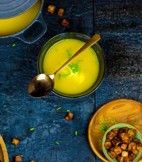 Wat Eten We Vandaag: Gele paprikasoep met knapperige tofucroutons