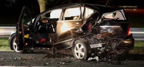 Auto op vluchtstrook A2 omdat inzittende niet lekker wordt: beschonken bestuurder ramt wagen van achteren